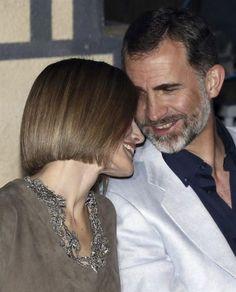 Letizia y Felipe se mostraron muy cariñosos y divertidos en la fiesta de los premios Famelab, en la madrileña sala Galileo Galilei.