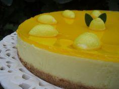 Esta fue mi primera tarta de queso. Mi amiga Sarito me dio la receta hace... ¡ 15 años ! y no sé cuantas veces la habré podido hacer. Es un...