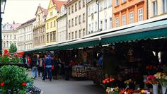 https://flic.kr/p/HnMCSX | SAM_4720 | Traditional shops in #Prague, #Czech