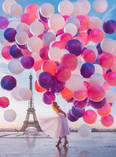 ― Kristina Makeeva↟Kotleta↟Timonさん( 「Tour Eiffel, Paris, France, campaign for & model: // Совсем…」 Photography Poses, Amazing Photography, Newborn Photography, Paris Wallpaper, Paris Love, Jolie Photo, Tour Eiffel, Pretty Pictures, Balloons