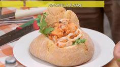 CLIP: Panzanella di mare. Una saporita pagnotta di pane scavata e ripiena di cozze, gamberi e calamari, tutta da gustare!. Guarda su Video Mediaset del programma Ricette all'italiana!