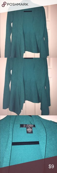 Women's cardigan size medium EUC green cardigan,89th and Madison brand. Only worn a couple times size medium (4-6) Sweaters Cardigans