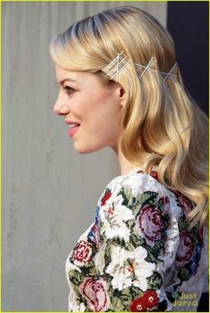 Bobby pins for a pretty retro look! #hairstyle #longhair #blonde - bellashoot.com