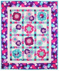= free pattern = Bubbly Blooms quilt, x by Heidi Pridemore for Michael Miller Fabrics. Featured at Quilt Inspiration. Free Baby Quilt Patterns, Free Pattern, Girls Quilts, Baby Quilts, Children's Quilts, Quilting Designs, Quilting Patterns, Quilting Ideas, Sewing Patterns