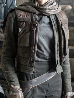Jyn Erso jacket and belt detail