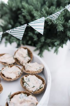 rye bread buttons with smoked salmon filling Christening Party, Rye Bread, Party Pictures, Recipes From Heaven, Smoked Salmon, Food Heaven, Home Interior, Baby Ideas, Food Inspiration