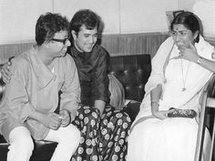 "bollywoodirect: ""R D Burman, Rajesh Khanna and Lata Mangeshkar. Bollywood Images, Vintage Bollywood, Bollywood Stars, Bollywood News, Indian Bollywood, R D Burman, Rajesh Khanna, Lata Mangeshkar, Indian Music"