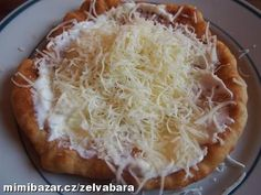 Bezlepkové langoše Pizza Planet, Paleo, Holiday Cookies, Gluten Free Recipes, Free Food, Low Carb, Food And Drink, Cooking, Desserts