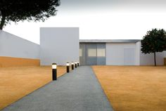 Gallery of Doctor's Office in The Suburb of El Gordillo / Paco García & Daniel Zapata - 1