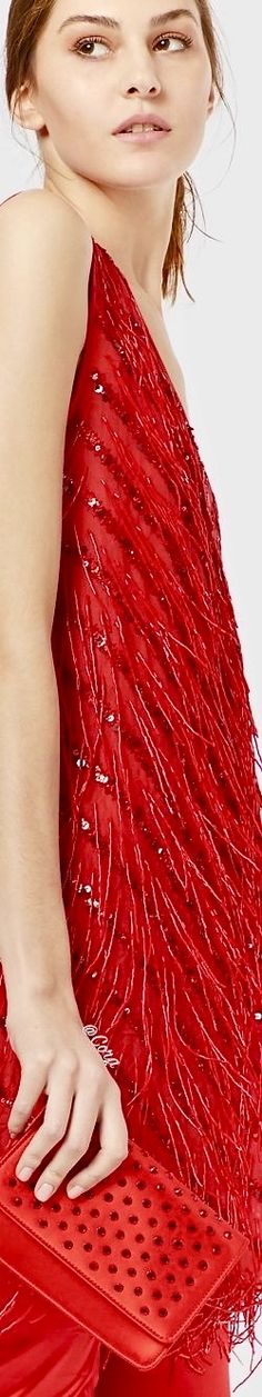 The official online Armani store for the finest Italian clothing, shoes, & many fashion and lifestyle items from the new collection. Only Fashion, Pink Fashion, Luxury Fashion, Burgundy Outfit, Red And Pink Roses, Italian Outfits, Simply Red, Lady In Red, Glamour