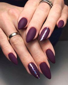 Semi-permanent varnish, false nails, patches: which manicure to choose? - My Nails Diy Nails Manicure, Matte Nails, Fun Nails, Bling Nails, Colourful Acrylic Nails, Acrylic Art, Dark Red Nails, Nagel Gel, Perfect Nails