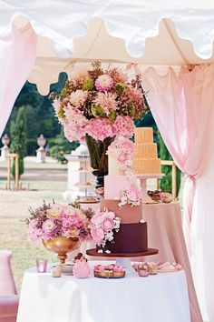 A gorgeous cake and decor.