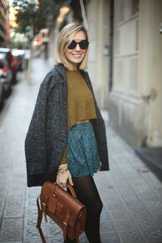teenvogue, look con falda, bolso de piel, botas, mini crops, fashion blogger, lusstra, ZeroUV,