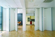Falttüren Innen  Weiss Buero Parkettboden Raum Offen Gemeinsam