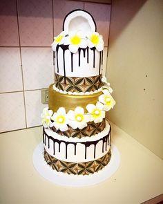 21st Birthday, Birthday Ideas, Birthday Cake, Island Cake, Lion Cakes, Polynesian Food, Cheese Platters, Celebration Cakes, Cake Ideas