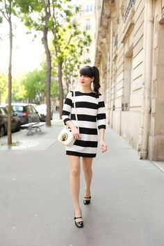 A minimalist fashion outfit that changes all one's views. There are many factors to keep in mind when deciding on your stylish summer minimalist outfit. Minimal Dress, Minimal Chic, Minimalist Wardrobe, Minimalist Fashion, Minimalist Outfits, Minimalist Lifestyle, Minimalist Style, Kawaii Mode, White Outfits