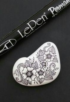 ••• Alaska Art Stones ••• Painted Alaska river rock drawn on with LePen Permanent Art Pen.