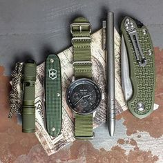 Materiel Camping, Edc Tactical, Tactical Knives, Edc Gadgets, Everyday Carry Gear, Victorinox Swiss Army, Bug Out Bag, Edc Tools, Edc Gear