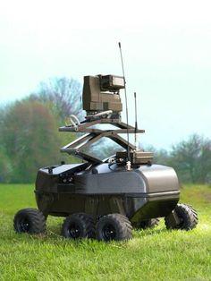 フォックスボット(FoxBot)。ドイツに拠点を置くRheinmetall Defence Electronicsによって発表されたロボット。人間が負傷するリスクなどを減らすことを意図しているとのこと。偵察などに対応する。