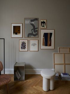 Art wall, poster wall, gallery wall – whatever you prefer to call it we are here to help. Our curated collection of quality art prints, from over 75 different handpicked artists and other creatives, makes it easy for you to effortlessly create the perfect wall of art that matches both your style and interior. Need help to get started with your art wall? Reach out to our design experts who are ready to assist you. Contact us at ThePosterClub.com today! #artwall #theposterclub #gallerywall Living Room Inspiration, Inspiration Wall, Interior Inspiration, Graphic Art Prints, Modern Gallery Wall, Nordic Home, Scandinavian Living, Minimalist Interior, Best Interior