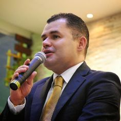 O conferencista Paulo Marcelo, preso em flagrante na manhã da última quarta-feira (16)  publicou uma nota de esclarecimento em seu site oficial.