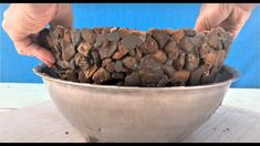Rock Planters, Diy Concrete Planters, Cement Garden, Concrete Bowl, Cement Art, Concrete Crafts, Concrete Garden Ornaments, Cement Flower Pots, Papercrete