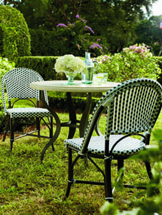 Bring the look of Paris to your very own backyard. | Fresh + Fab Outdoor Pad