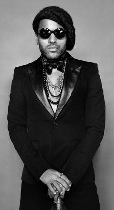 """Lenny Kravitz (°1964) - American singer-songwriter, multi-instrumentalist, record producer, actor and arranger, whose """"retro"""" style incorporates elements of rock, soul, R&B, funk, reggae, hard rock, psychedelic, folk and ballads.                                                                                                                                                                                 Más"""