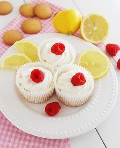 The Comfort of Cooking » Skinny Lemon Cheesecake Cupcakes