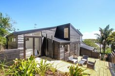 Places to Stay in Auckland, NZ, Beautiful house with amazing views over the city £140 per night, 3 bedrooms sleeps 6 people
