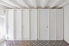 Apartment refurbishment in Gracia by Vora