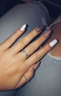 Trendy Over 50 Bright Summer Nail Art Designs . - Sommer - Trendy Over 50 Bright Summer Nail Art Designs … – Sommer – – Source by ideennail - Gold Sparkle Nails, Gold Gel Nails, Aycrlic Nails, Rose Gold Nails, Best Acrylic Nails, Acrylic Nail Designs, Coffin Nails, White Nails, Pointy Nails
