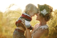 Ideas baby photography outdoor mom for 2019 Outdoor Baby Photography, Children Photography, Family Photography, Photography Ideas, Family Posing, Family Portraits, Family Photos, Mommy And Son, Baby Poses
