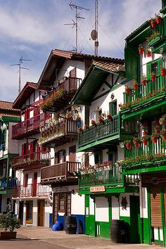 Hondarribia, País Vasco Bilbao, Thanks For The Memories, Basque Country, Us Travel, Summer Vibes, Big Ben, Summertime, Places To Go, Travel Photography