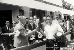 Concurso de ganado vacuno en Andra Mari, 15 de mayo de 1961. Entrega de trofeos (Colección Archivo municipal) (ref. 00615)