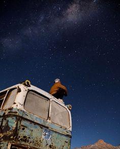 Hotel 5 ou 1.000.000 de estrelas? Para o @vazaonde (Instagram) acampar no Deserto do Atacama com esse céu estrelado foi a melhor experiência de toda a viagem. Sábado eu embarco para o mesmo destino onde ficarei 1 mês inteiro explorando o deserto. Quais as suas dicas ou curiosidades sobre o Atacama?