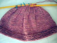 Passo a passo: Gorro para bebê em tricô, presente + amor! Crochet Shawl, Knit Crochet, Tricot Baby, Baby Converse, Groom Dress, Baby Hats, Baby Knitting, Knitted Hats, Free Pattern