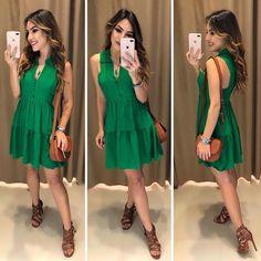 É MUITO AMOR! Vestido Selena Verde Compras pelo site: www.estacaodamodastore.com.br . Whatsapp Site: (45)99953-3696 - Thalyta (45)99820-6662 - Jessica . Ou em nossas lojas físicas de Santa Terezinha de Itaipu e Medianeira - PR