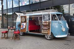 Fancy a pint? The Dub Inn is the only pub that can come to you. Ben bought the Volkswagen 1957 Splitscreen for £12,000 in 2014