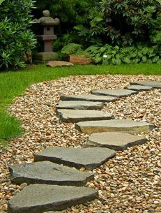 DIY flagstone and pea gravel path