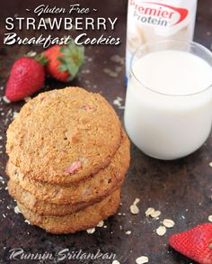 Strawberry Oatmeal Breakfast Cookies + A Giveaway @RunninSriLankan