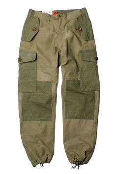Six Pocket Pants Military Fashion, Mens Fashion, Fashion Logo Design, Men Style Tips, Cargo Pants, Work Wear, Street Wear, Menswear, How To Wear