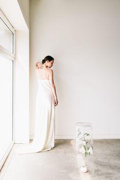 Sleek Bridal Editorial Inspires Minimalist Elegance For the Modern Bride - Once Wed #bridalphotographyideas #bridalinspiration #minimalistbride
