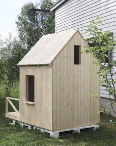 Children's playhouse by Eeva Takkunen - Leikkimökki