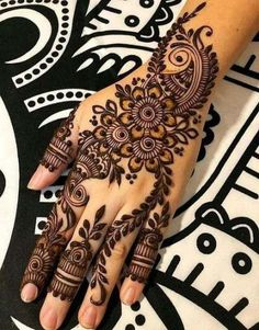 How long do Henna Tattoos Last? What is Henna Tattoo? How to Remove Henna Tattoo? Henna Hand Designs, Dulhan Mehndi Designs, Henna Tattoo Designs, Arabian Mehndi Design, Mehndi Designs Finger, Latest Arabic Mehndi Designs, Mehndi Designs For Beginners, Mehndi Designs For Girls, Mehndi Design Photos