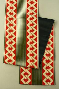 Red, yoshiwara chain pattern fukuro obi
