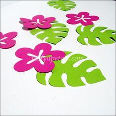 Tropical Flowers And Palm Leaves Luau Table Decorations – Jaclyn Peters Party Aloha Party, Moana Birthday Party, Moana Party, Luau Birthday, Luau Party, Luau Table Decorations, Party Decoration, Hawaiian Theme, Hawaiian Luau