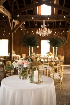 Boone Hall Plantation | Southern Wedding | Rustic Wedding | Barn Wedding | Charleston Wedding | photos by Reese Moore Photography  www.reesemooreweddings.com