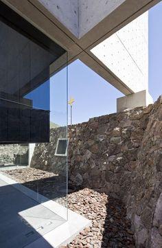 Capilla del Retiro by Undurraga Deves Arquitectos.