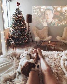 10 Bedroom Winter Decor Ideas To Make Your Room Cozy Christmas Mood, Noel Christmas, Merry Little Christmas, All Things Christmas, Christmas Movies, Christmas Bedroom, Home Alone Christmas, Apartment Christmas, Bohemian Christmas